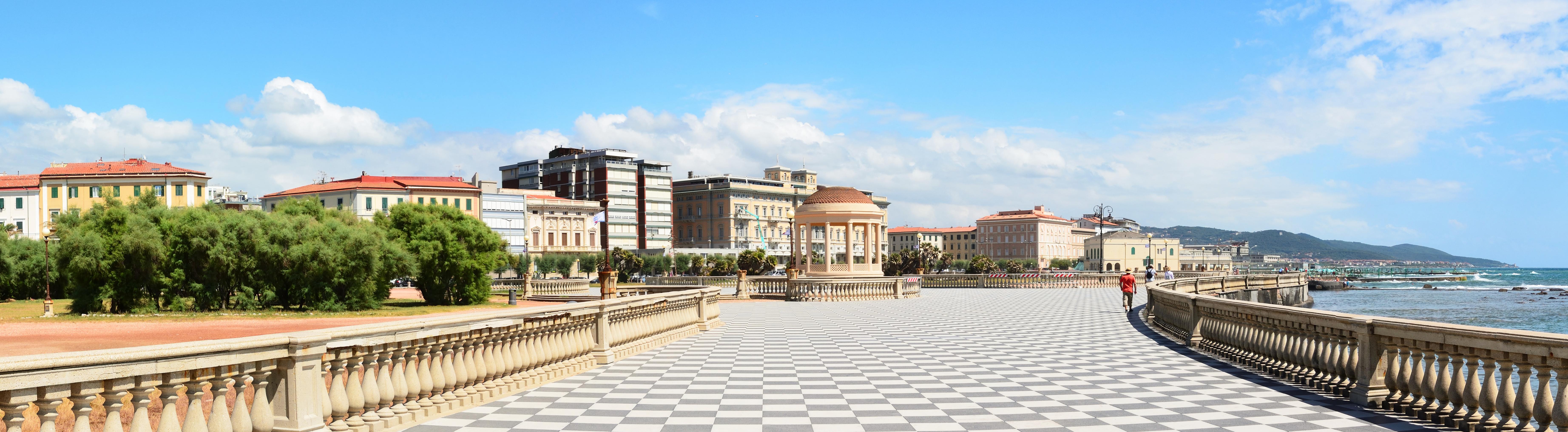 Livorno, Piazza Mascagni